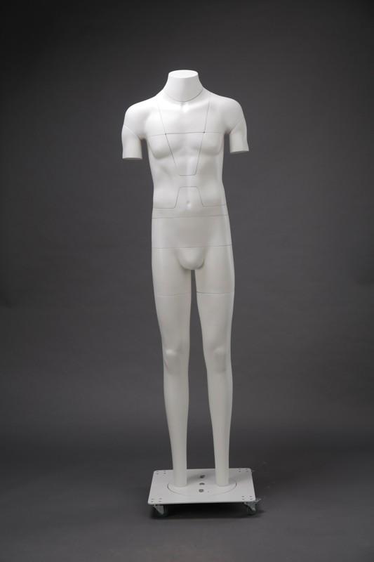 манекен без рук с без головы